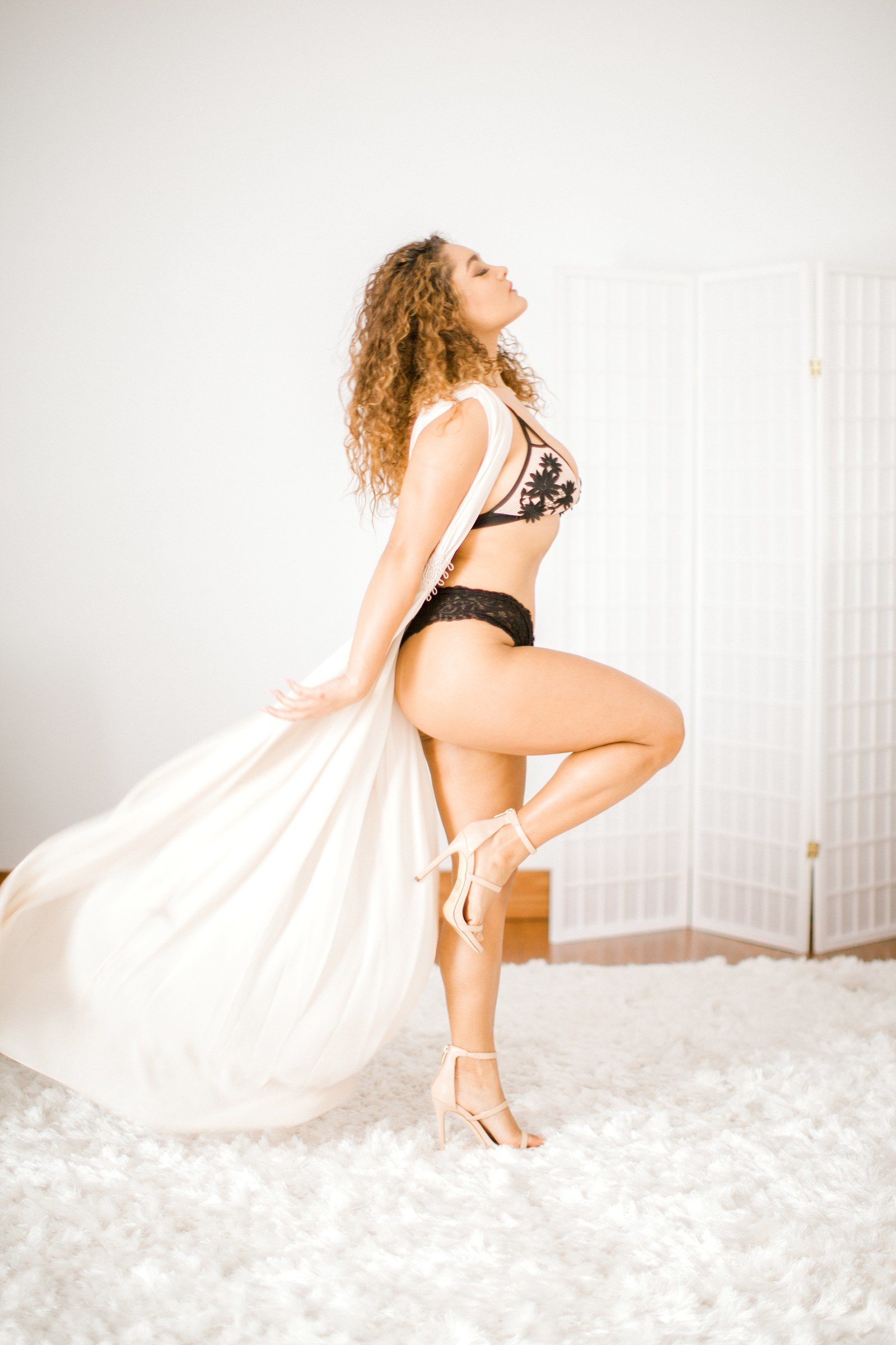 Jazmine Torres Lingerie BHLDN Model Boudoir Light Airy Richmond VA Beach Yours Truly Portraiture-46
