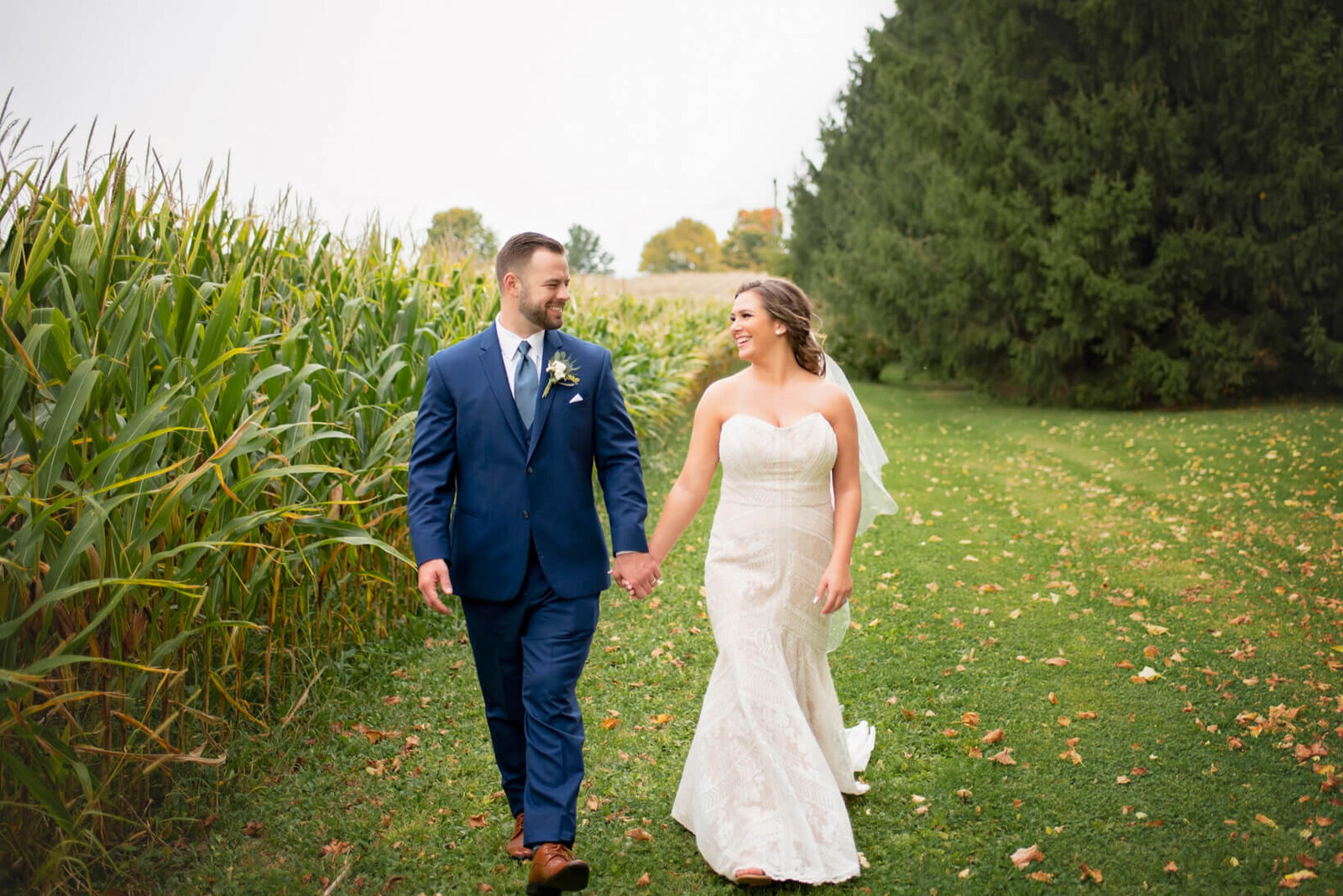 Sugar-Island-Barn-Wedding-Watertown-Wisconsin-107