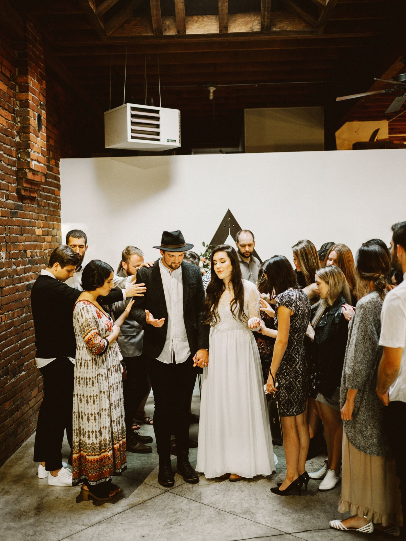 athena-and-camron-seattle-wedding-narrative-cafe-rustic-venue-benj-haisch36