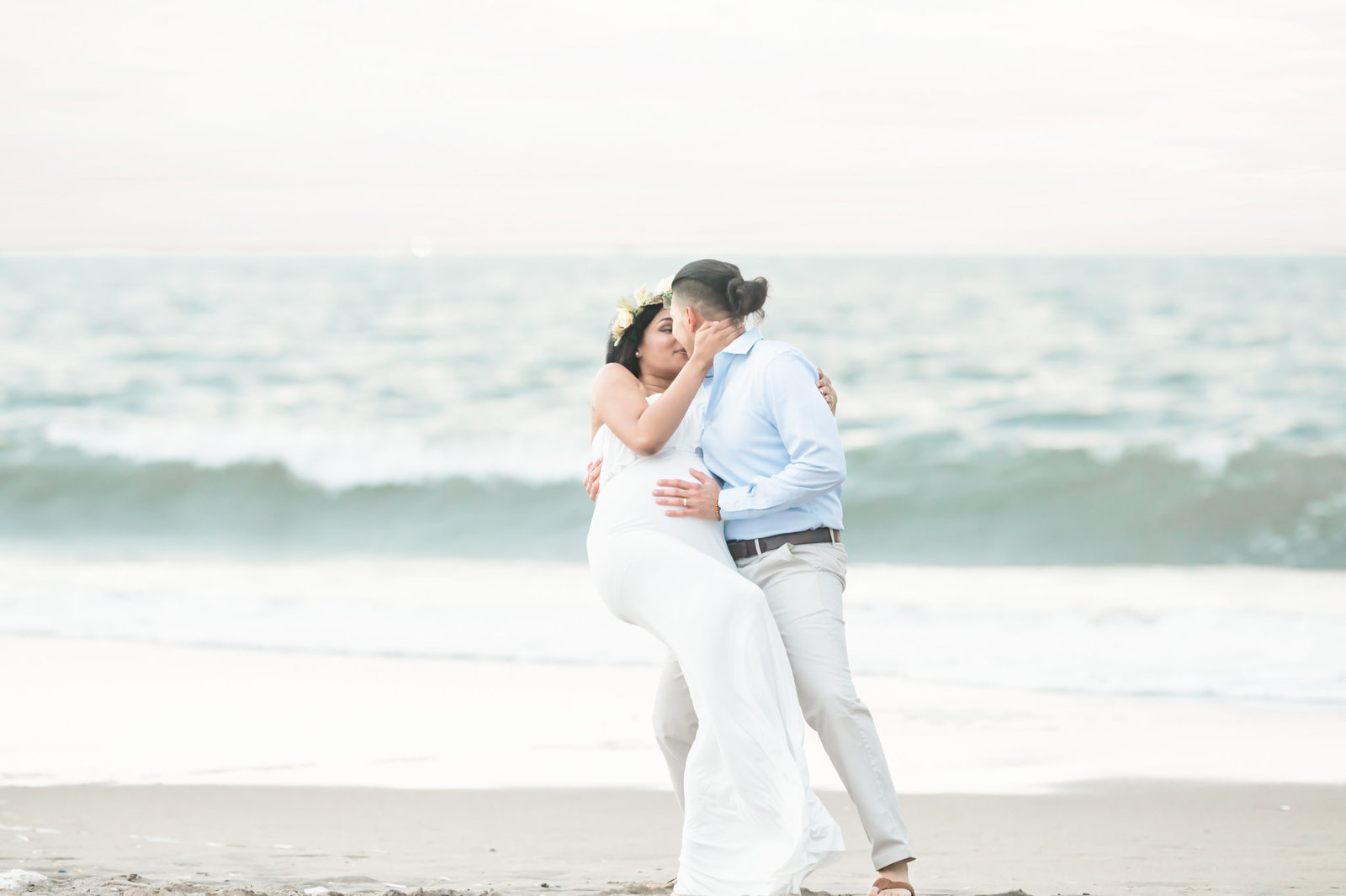 Dreamcatcher Rose Studios - maternity - coney island ny - couple in love