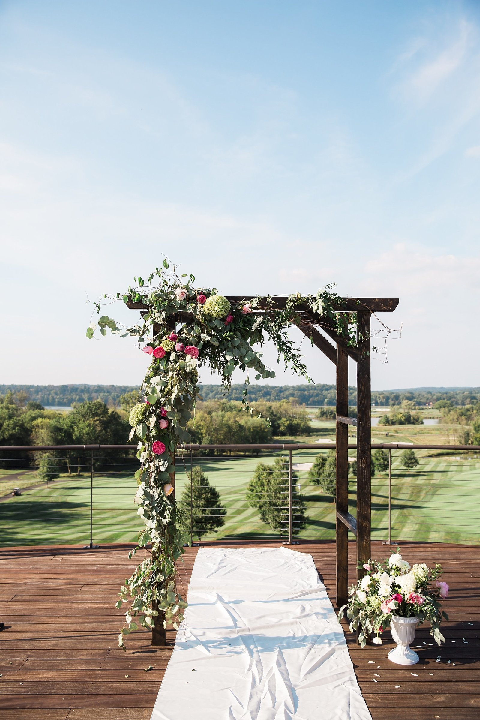 M Harris Studios_Trump National Golf Club Wedding_ceremony arch