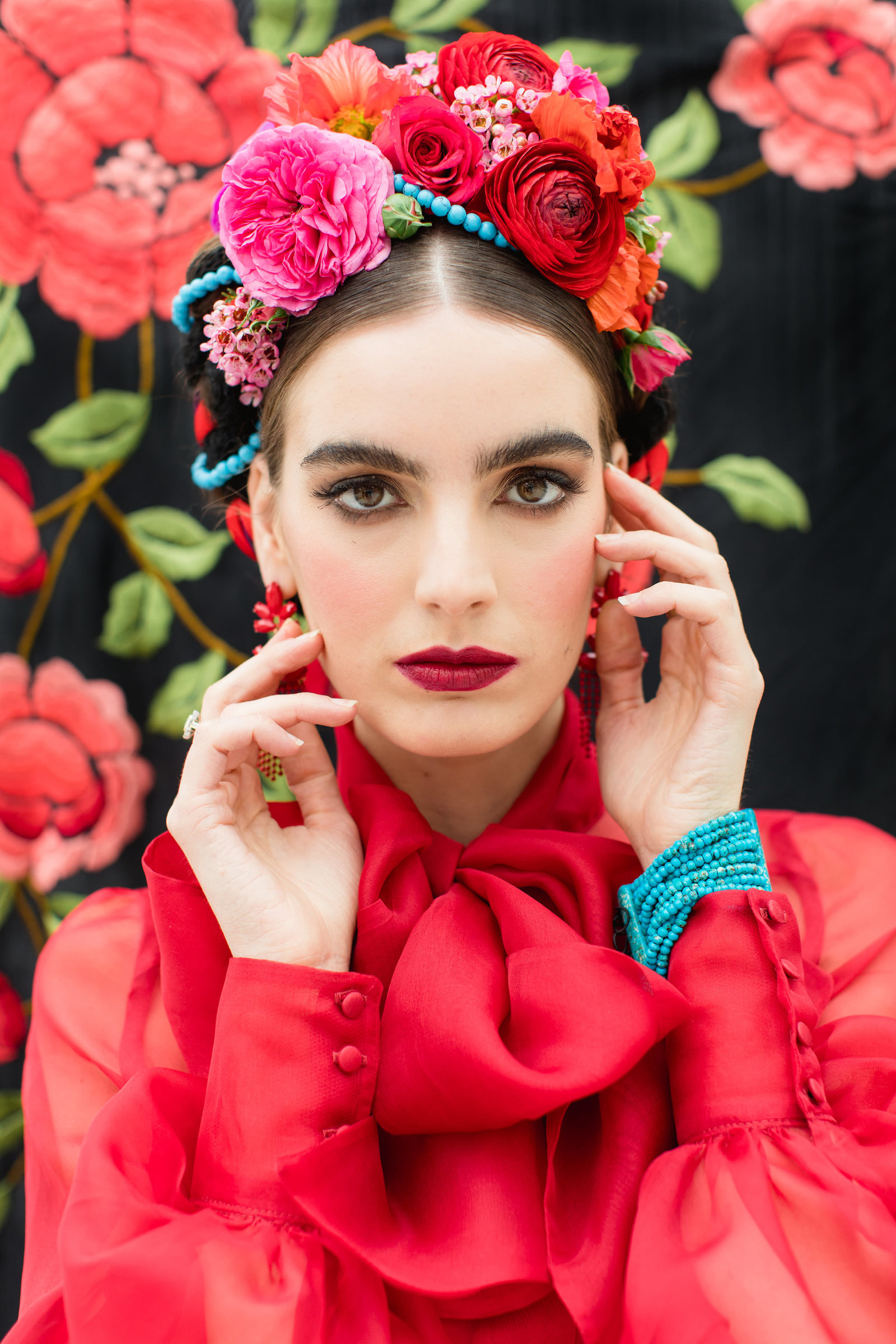 Frida-Kahlo-inspired-red-silk-shirt-JoanneFlemingDesign-RobertaFacchiniPhoto (5)