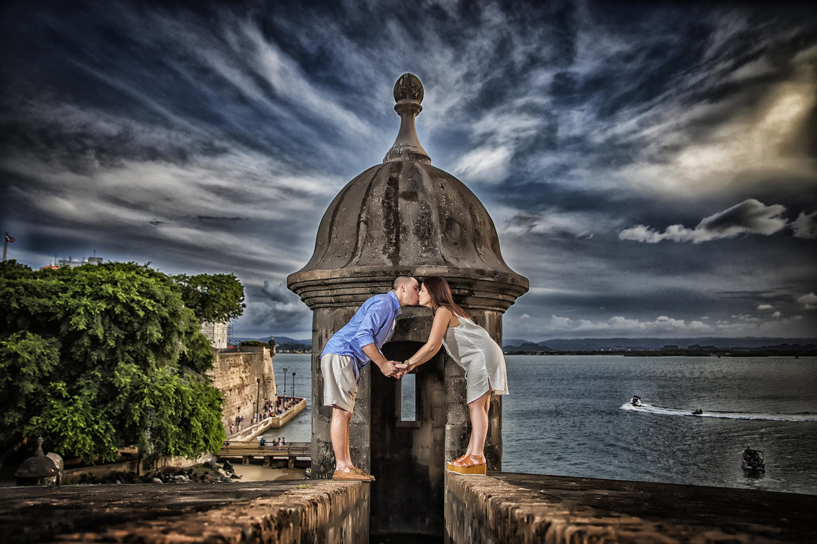 Couple kissing in old san juan, puerto rico