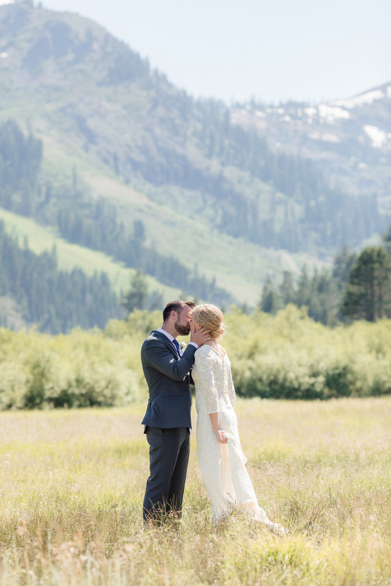 Lake-Tahoe-Wedding-Squaw-Vallery-Resort-Katya-Ryan-0024