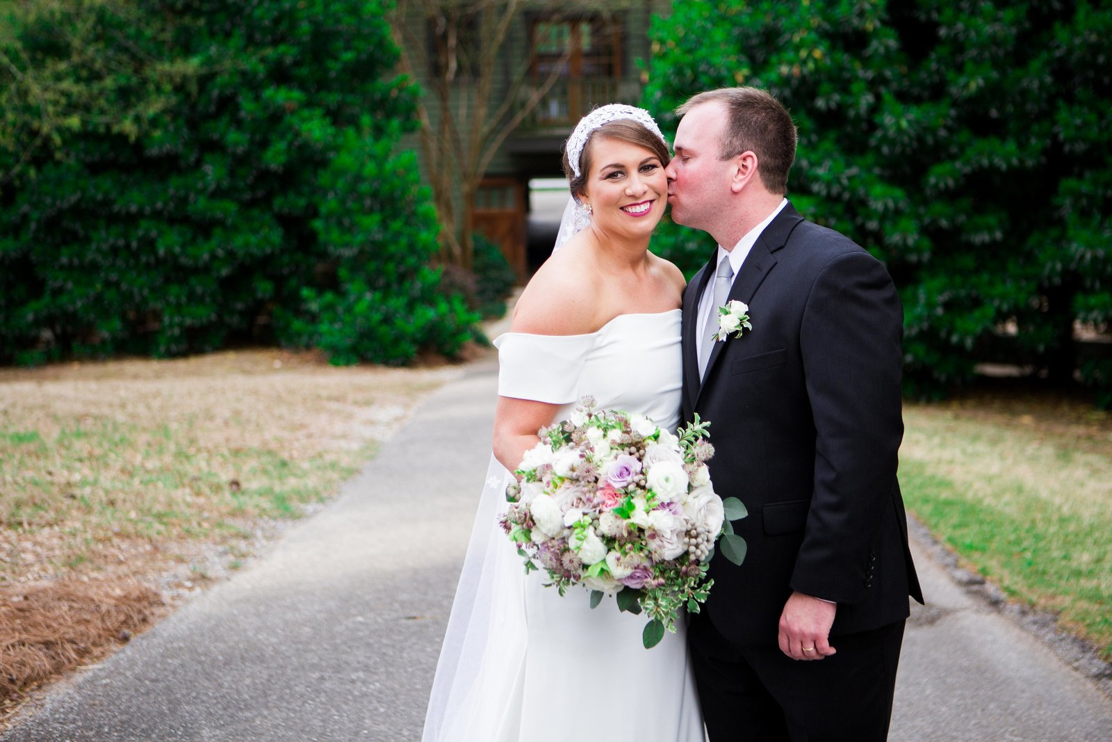Windwood_Equestrian_Outdoor_Wedding_Venue_Alabama_Farm_Bride079