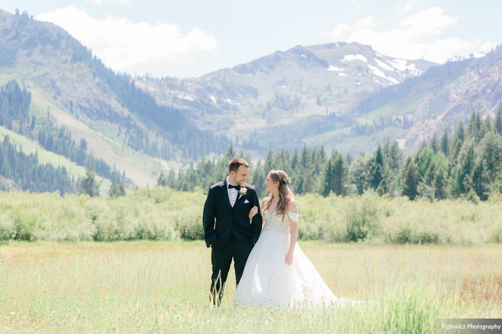 Garden_Tinsley_FiglewiczPhotography_LakeTahoeWeddingSquawValleyCreekTaylorBrendan00021_big