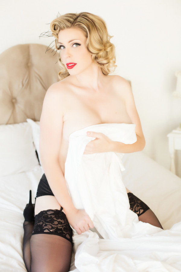 pin-up photos phoenix, wrapped in sheets boudoir