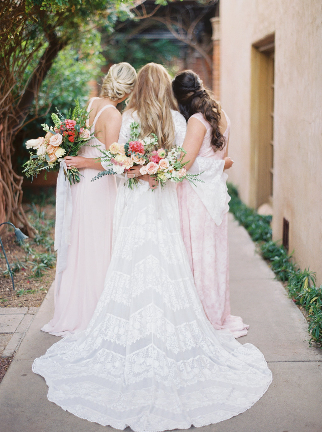 scottsdale-florist-blush-bridesmaid-dresses