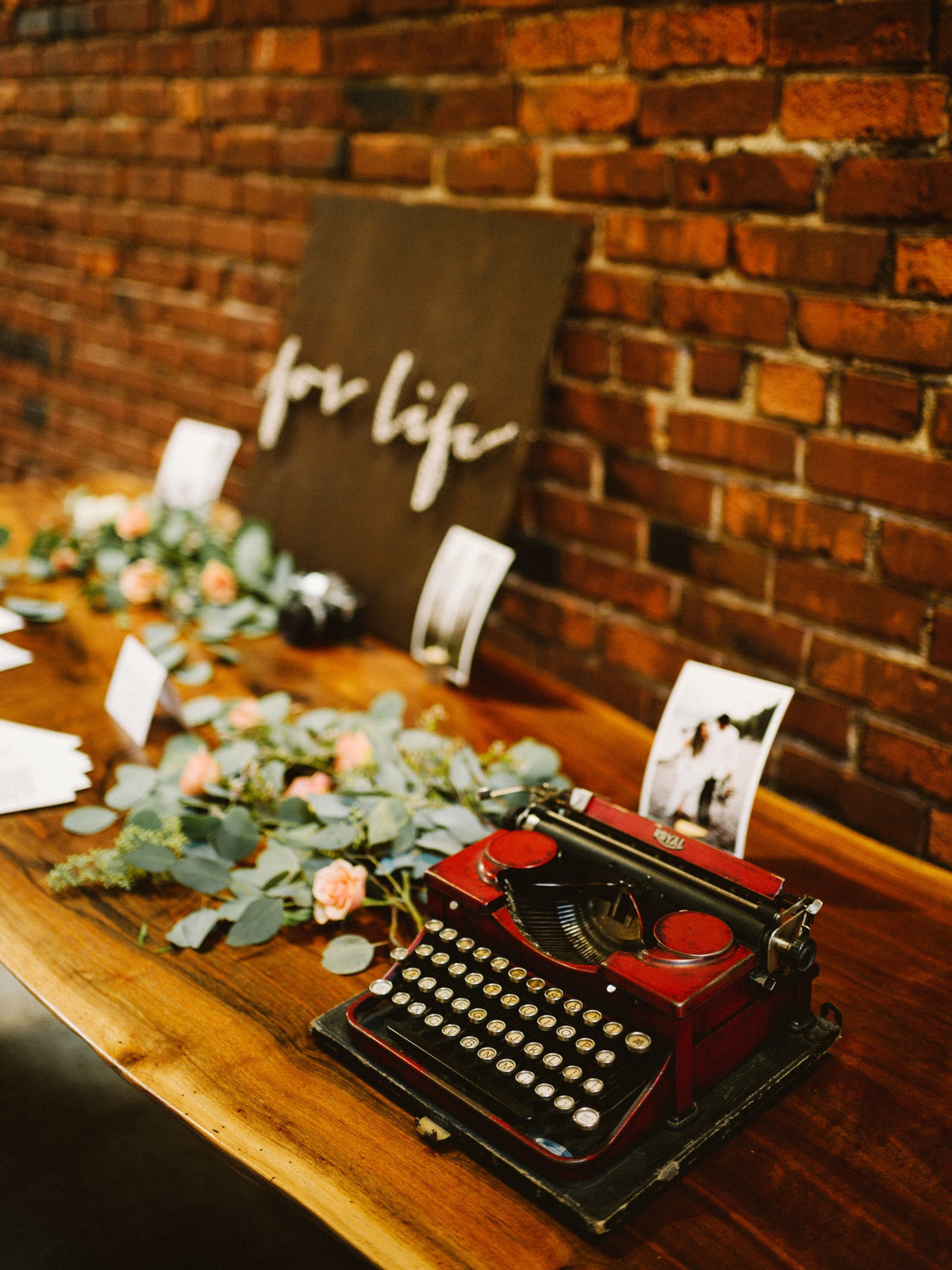 athena-and-camron-seattle-wedding-narrative-cafe-rustic-venue-benj-haisch15