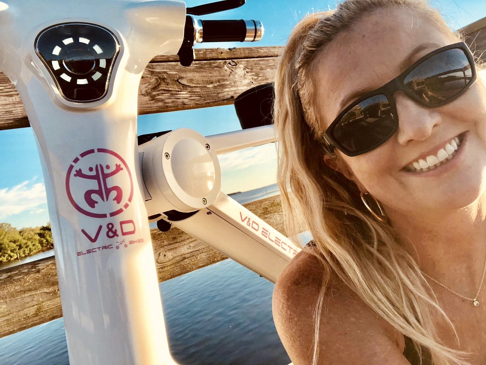 Tracey Smith (Entrepreneur Girl) shows how life is made much easier on the Go-Bike M1. V&D Electric Bikes