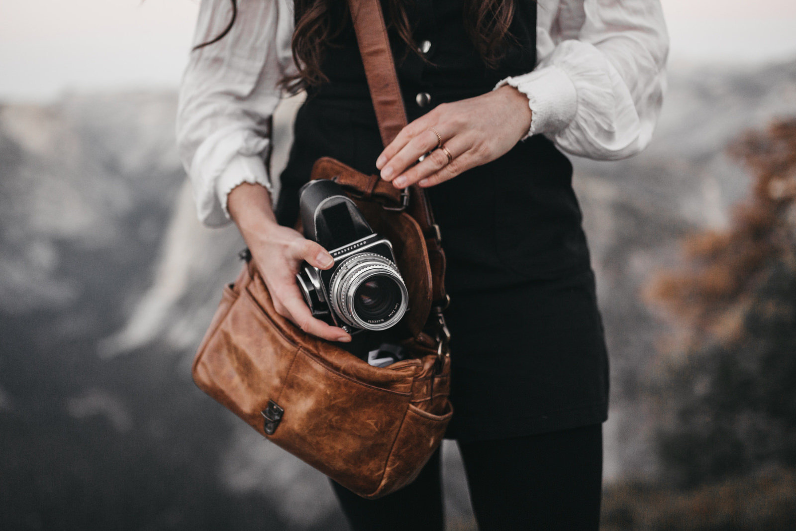athena-and-camron-yosemite-national-park-christian-couple-travel-bloggers-couple-goals13-brown-leather-ona-camera-bag-film-camera-hipster-travel