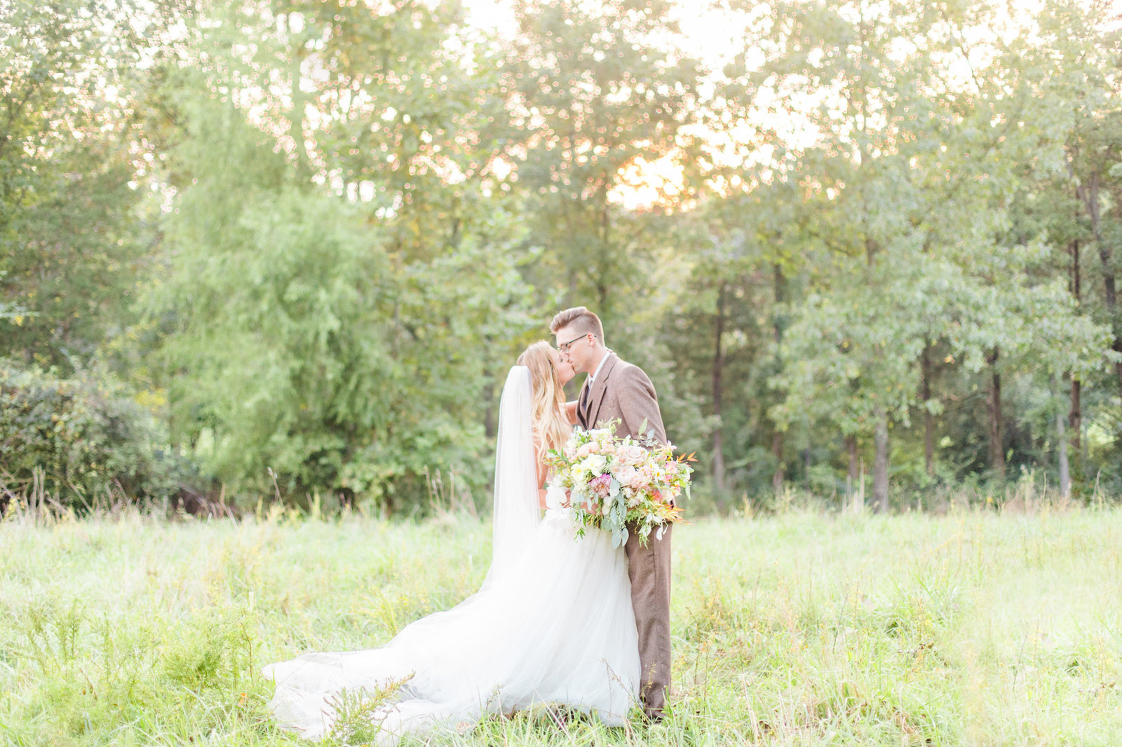 st-louis-wedding-photographer-haue-valley-weddings-barn-field-romantic-alton-belleville-129