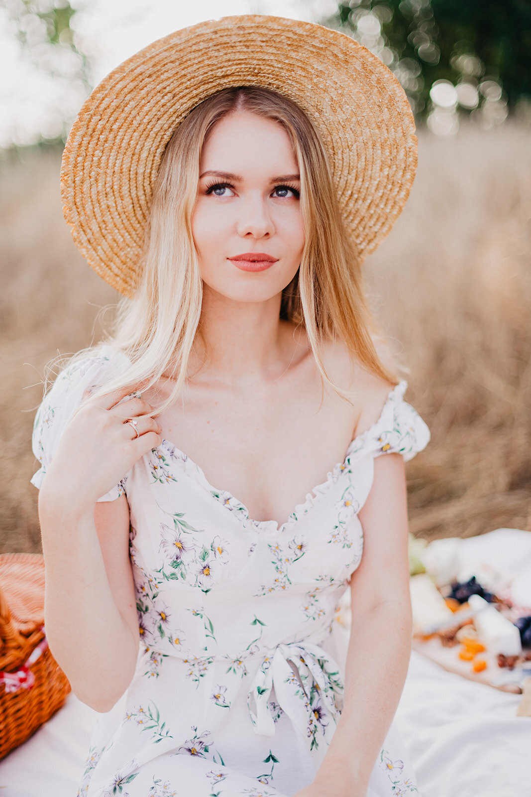 MorganeBallPhotography-Couple-Picnic-EmilieMassimo-look1-48- 7087_websize