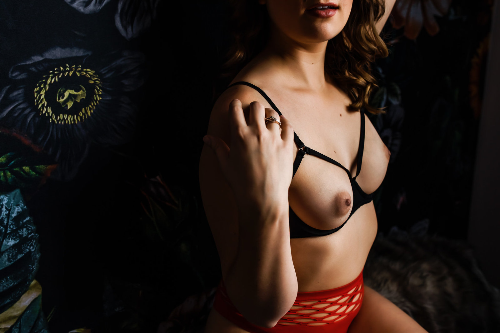 Sexy photo of a woman taken in a Saint Louis boudoir studio
