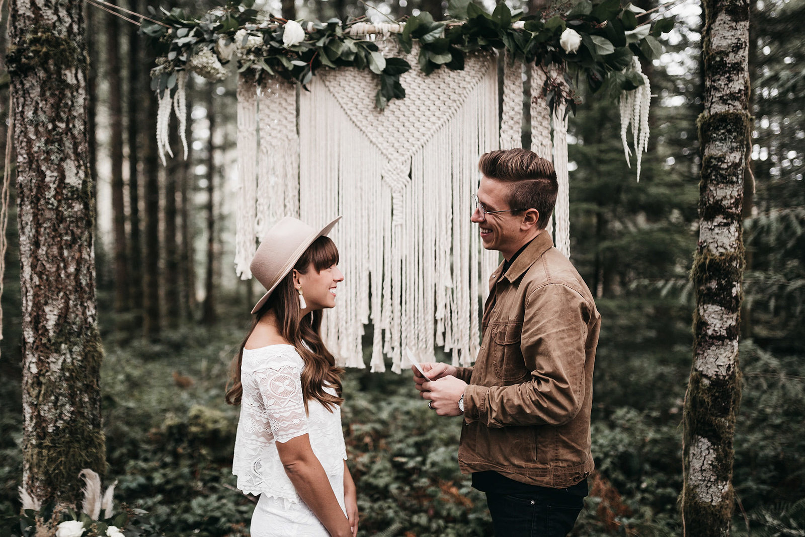 white-magazine-athena-camron-seattle-oregon-wedding-photography-woodlands-house-boho-elopement-inspiration-38