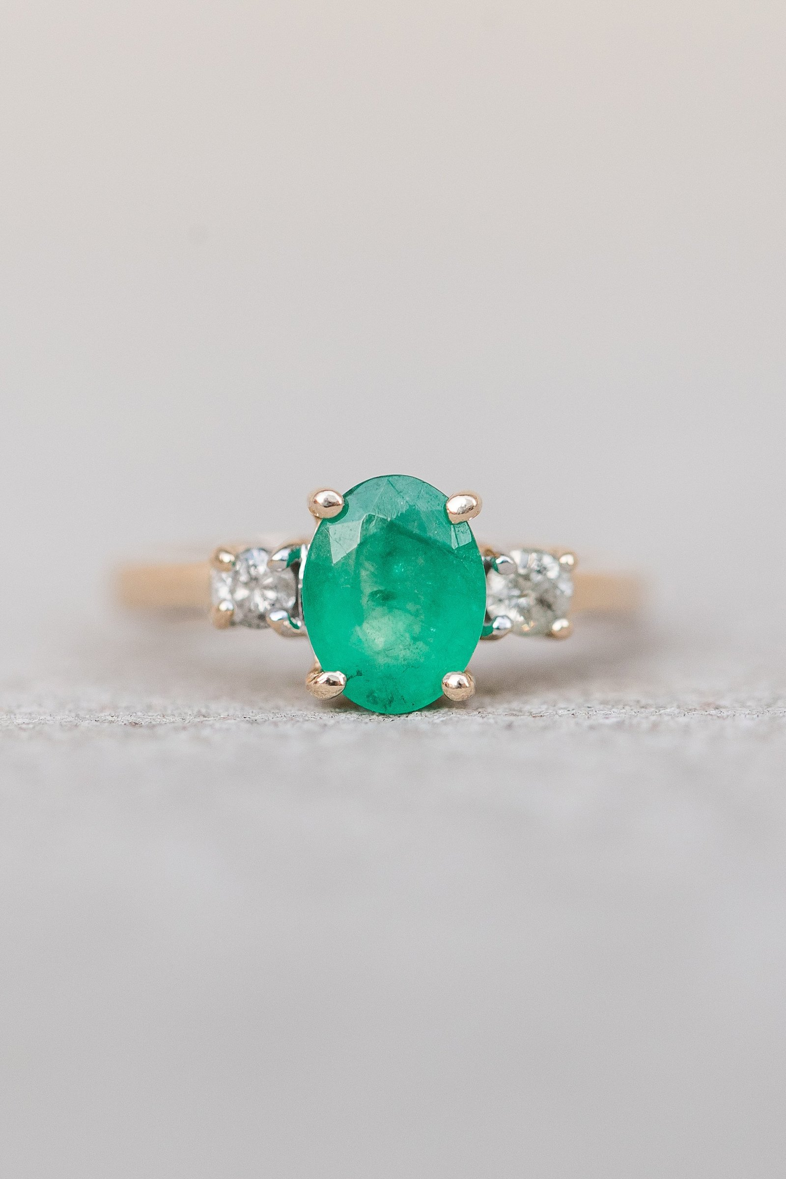 emerald-oval-wedding-ring-diamonds