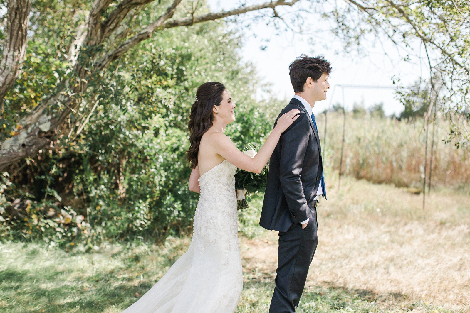 Saltwater Farm Vineyard Wedding_First Look 1