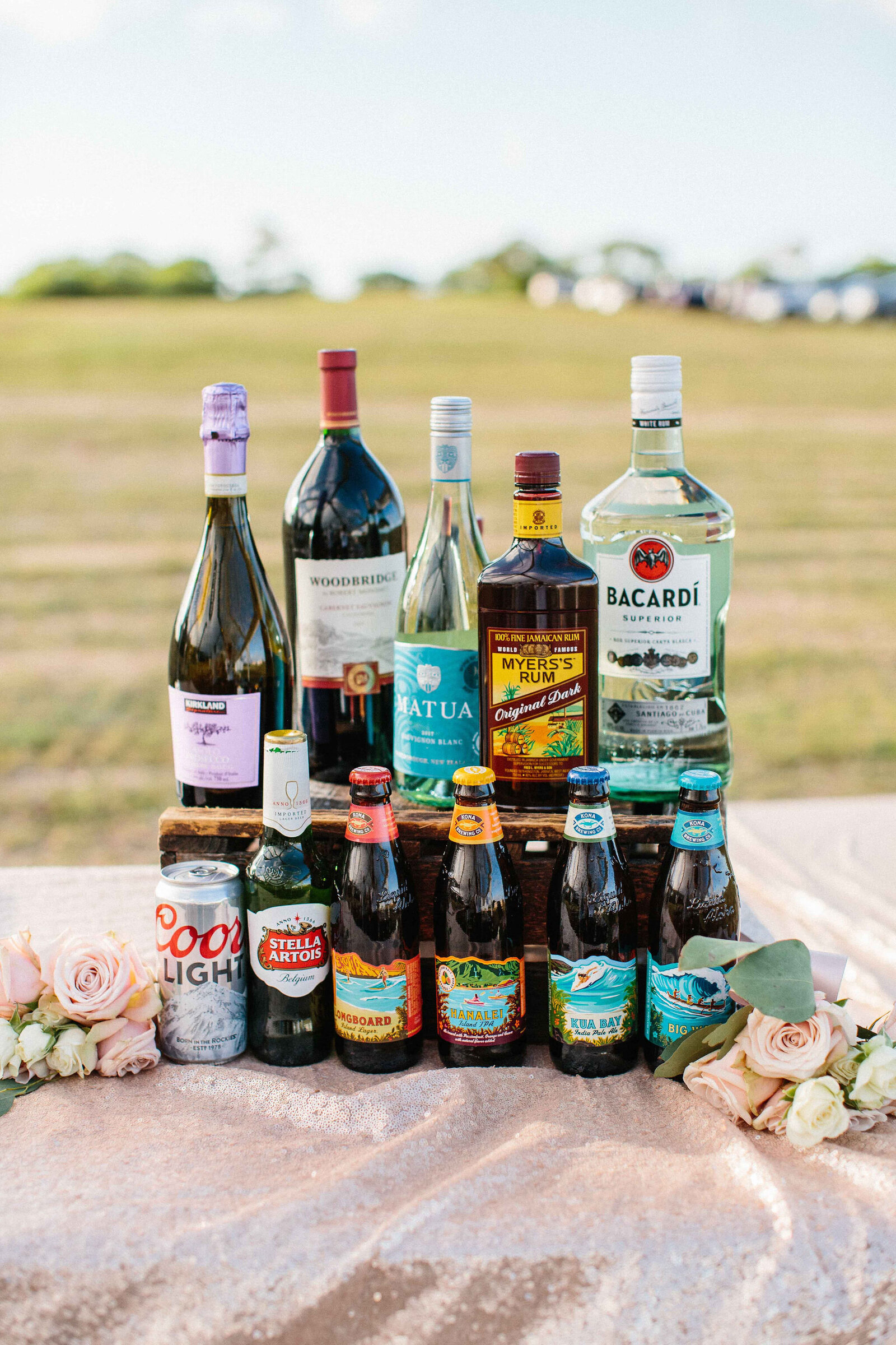 StarBarHawaii-AlcoholDisplay-HawaiiWeddings-AbsolutelyLoved