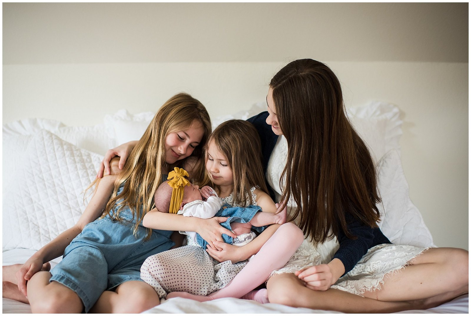 In home lifestyle photosession with 4 sisters Emily Ann Photography Seattle Photographer