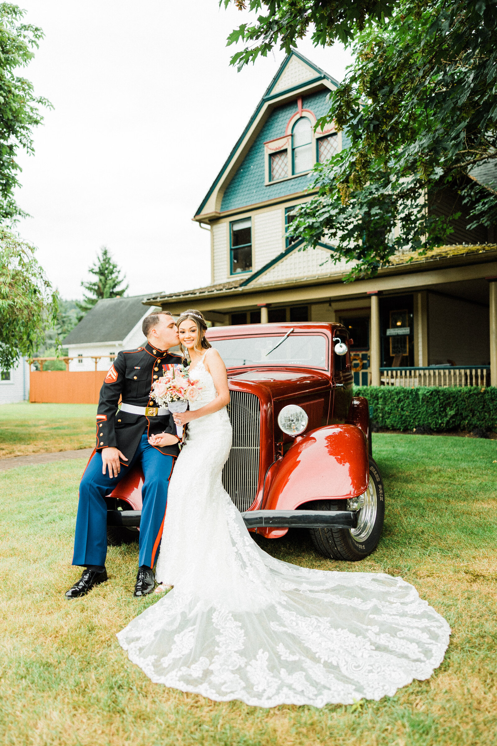 Seattle-Wedding-Photographer-And-Videographer-Orting-Manor-16