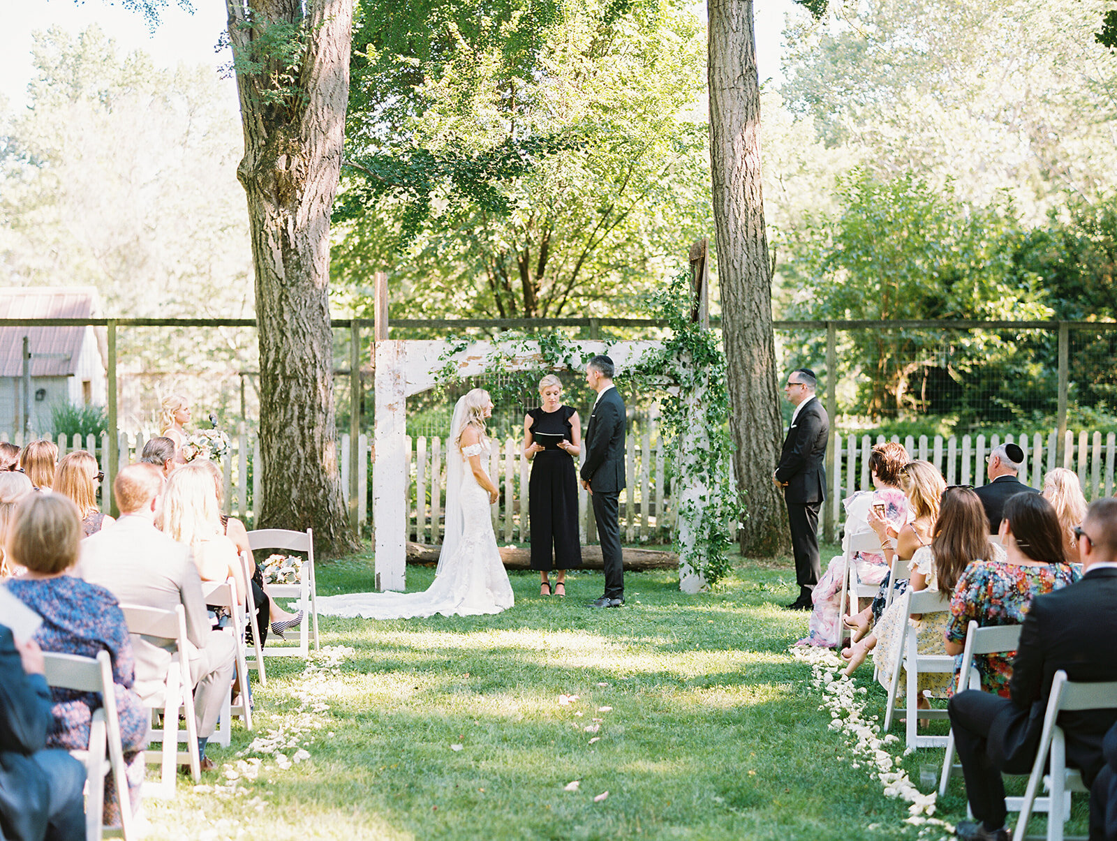 du_soleil_photographie_life'spatina_willowbrook_farm_wedding_christine_david_ceremony-94_websize