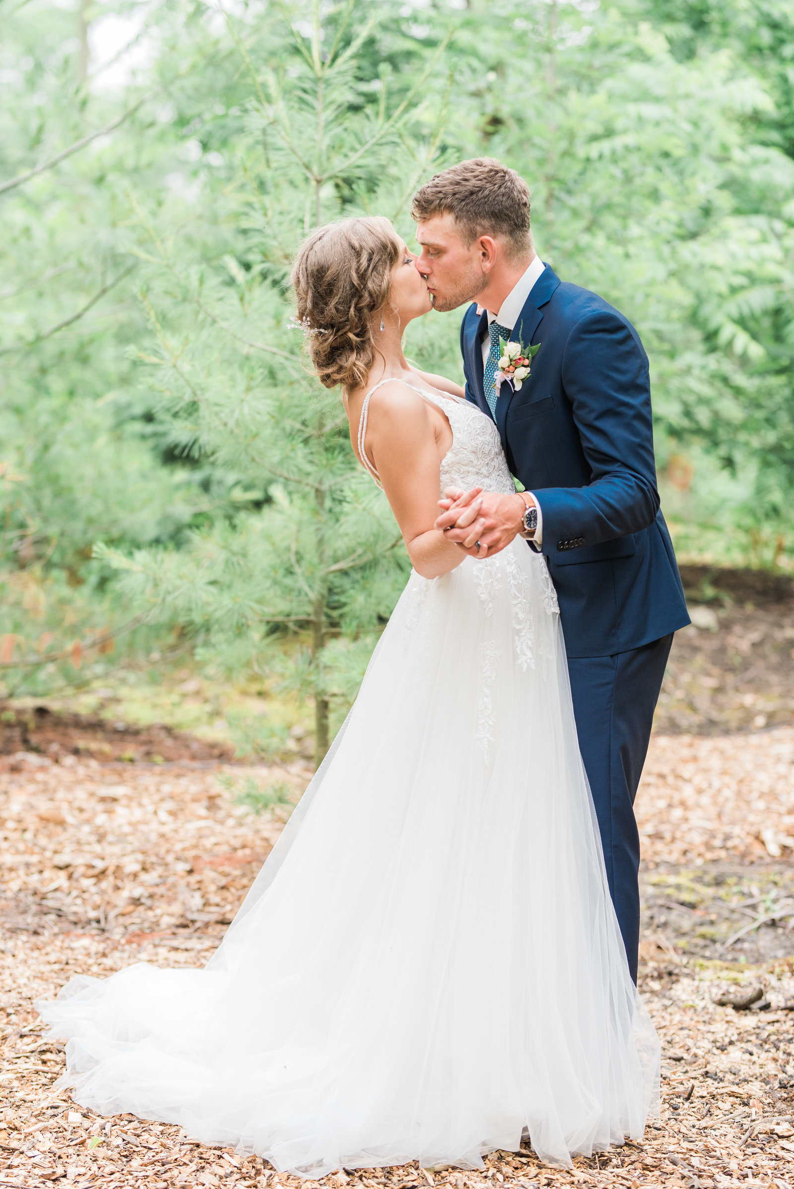 Erin + Brendan Sneak Peek-134