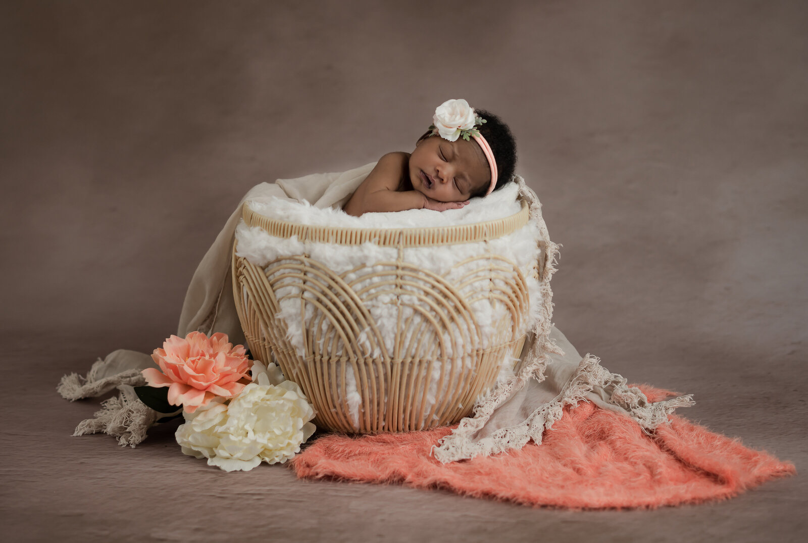 newborn photographer with props