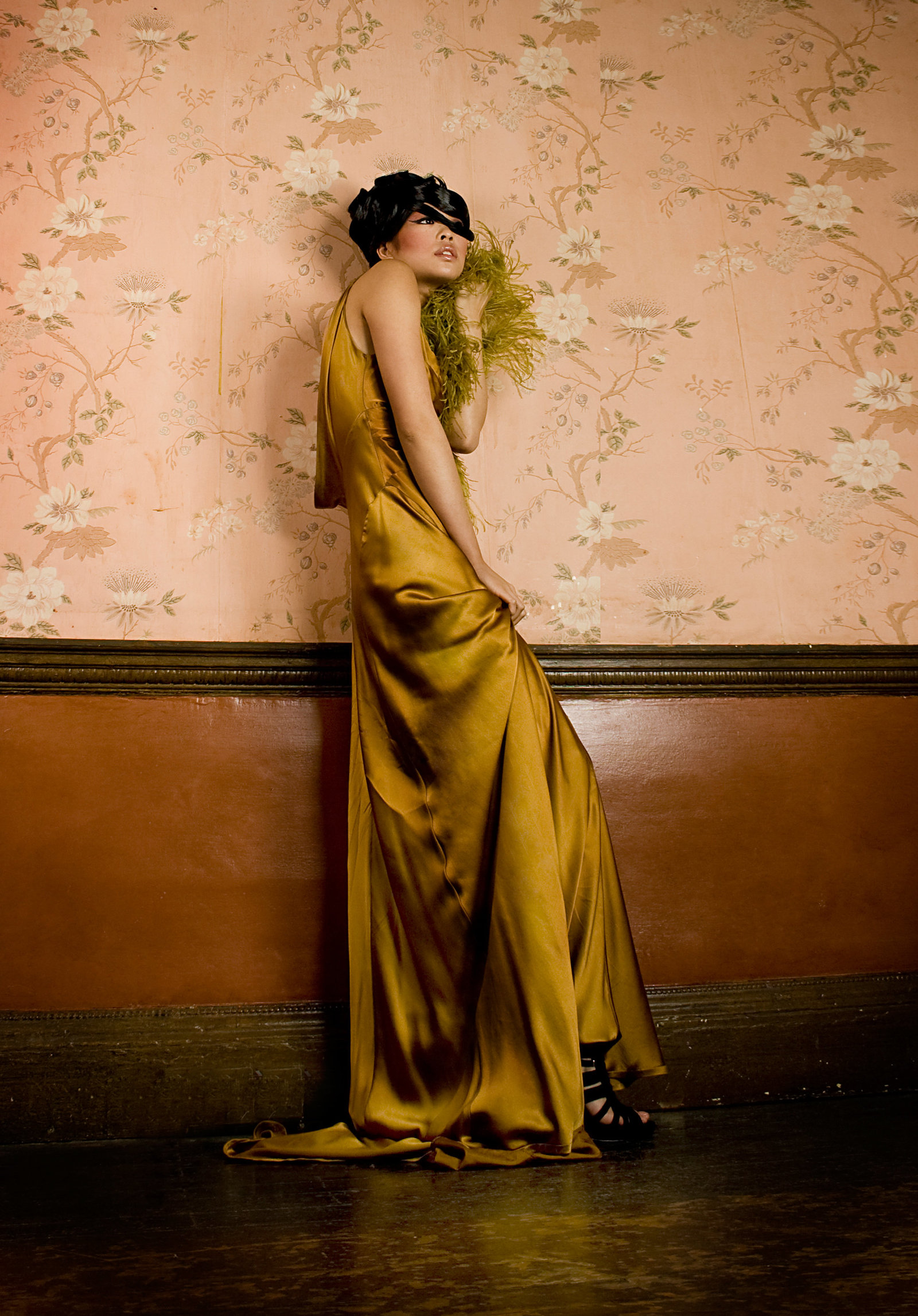 gold_silk_satin_bias_cut_dress_JoanneFlemingDesign_PicCristinaCarinhas