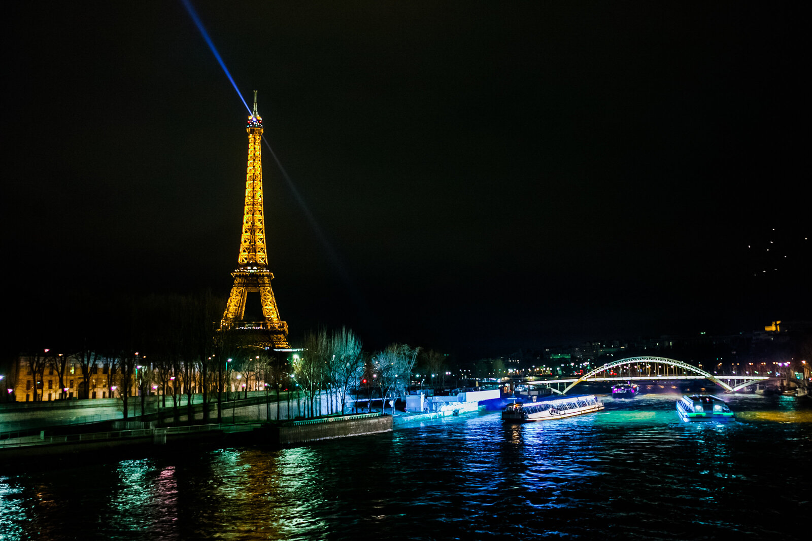 067-KBP-Paris-France-Eiffel-Tower-light