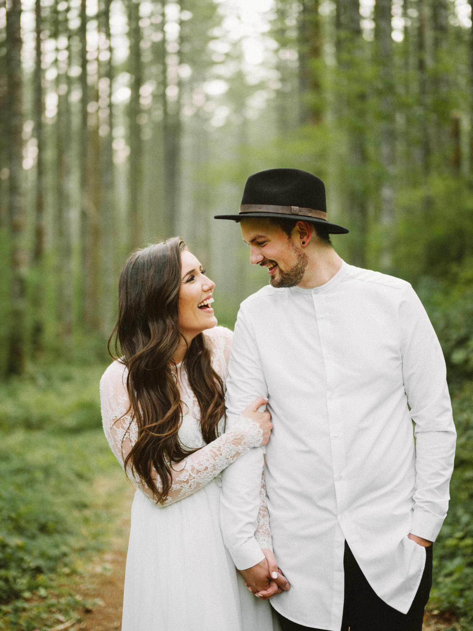 athena-and-camron-seattle-elopement-wedding-benj-haisch-rattlesnake-lake-christian-couple-goals16