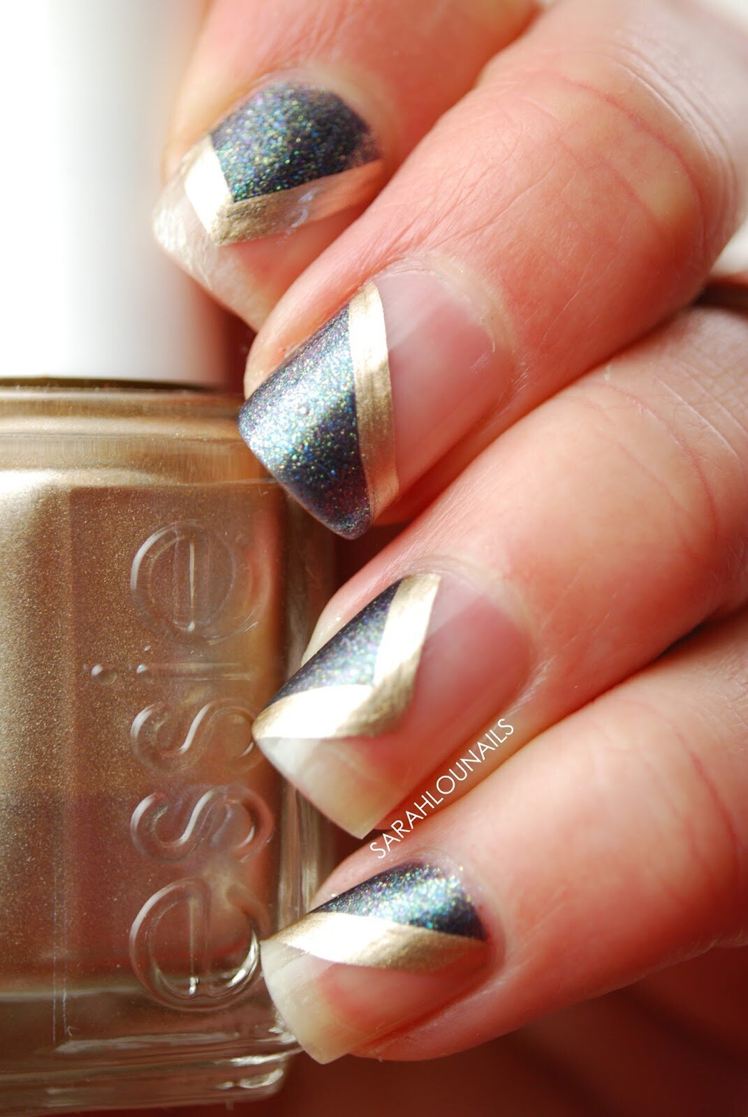 Geometric Gold Striped Nails 6