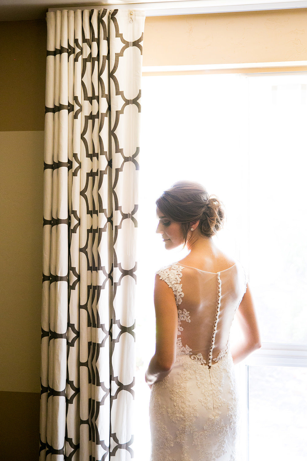 stunning bride image at carlton oaks country club getting ready