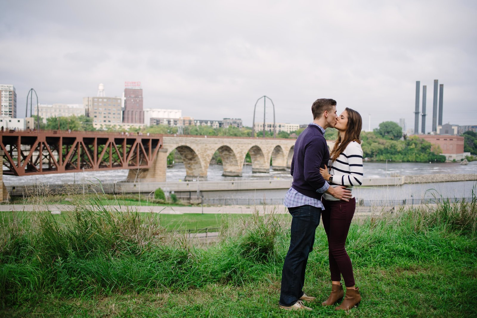 Minneapolis Couples Engagement Session Photographer_3484