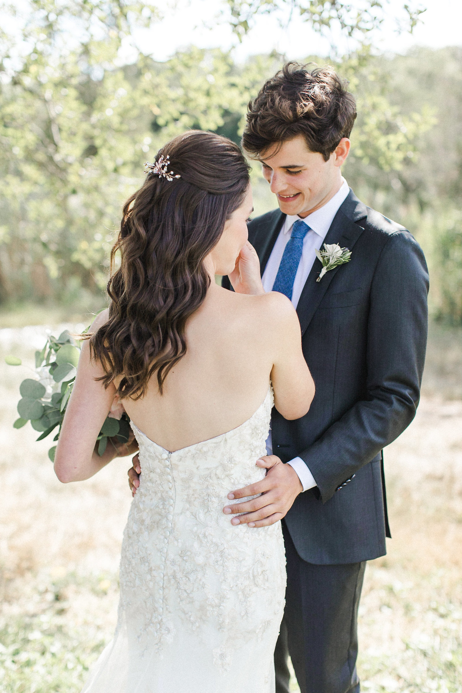 Saltwater Farm Vineyard Wedding_First Look 7