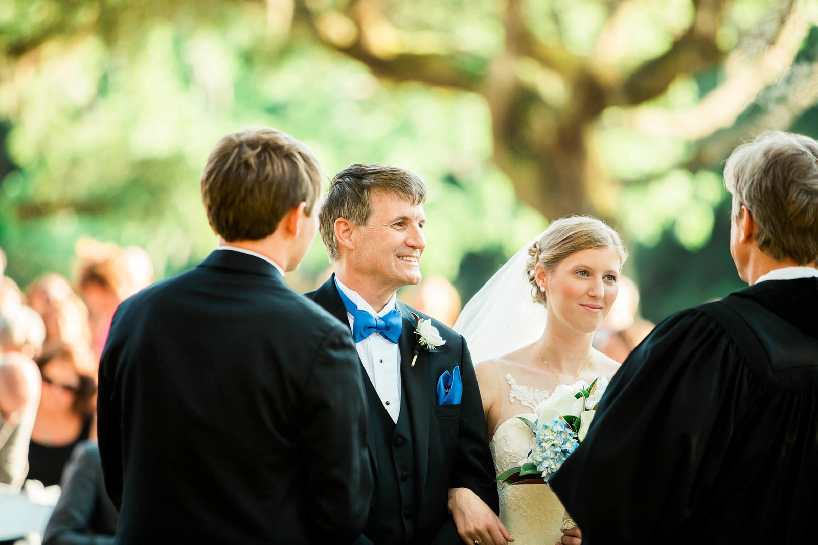 Father walks bride down the aisle, Oakland Plantation, Mt Pleasant, South Carolina