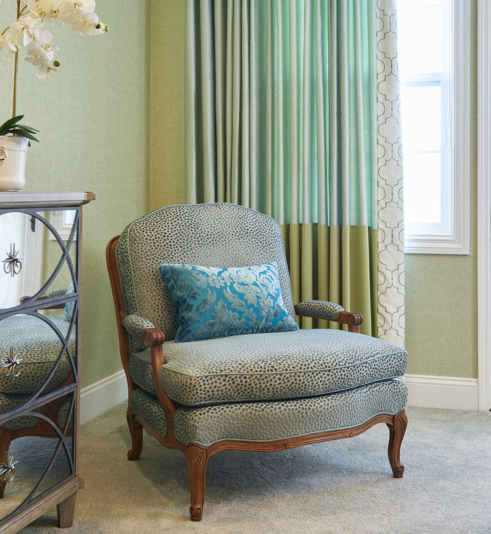 Dream Teal Velvet Master Chair Design