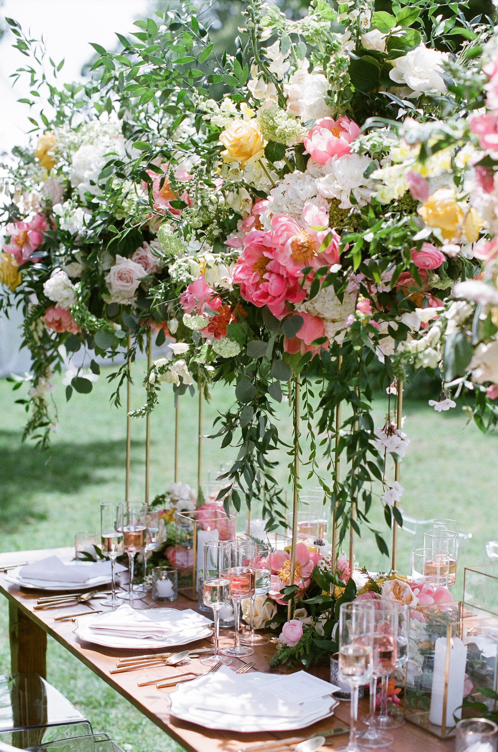 Blithewold Mansion_Newport_Rhode Island_Summer Wedding-22