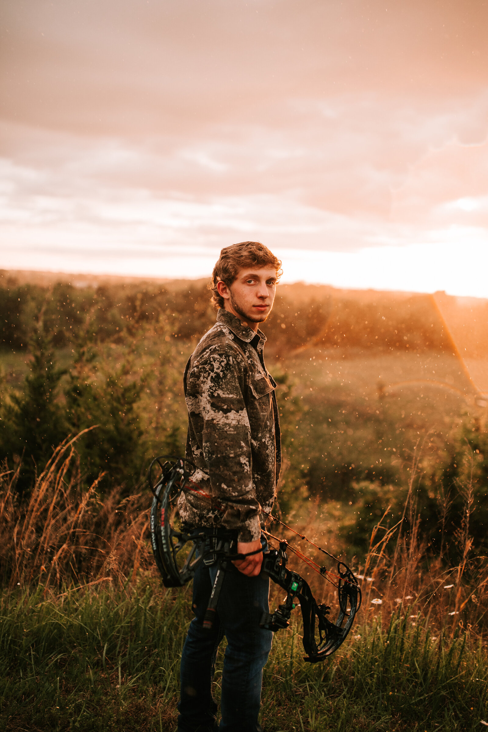 senior session with hobby hunting