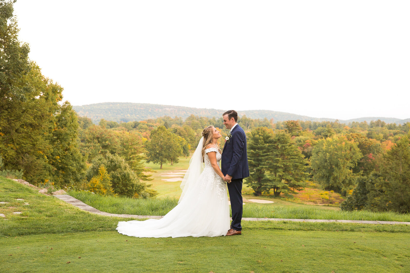 hop-meadow-country-club-wedding-photos-nicole-mike-6