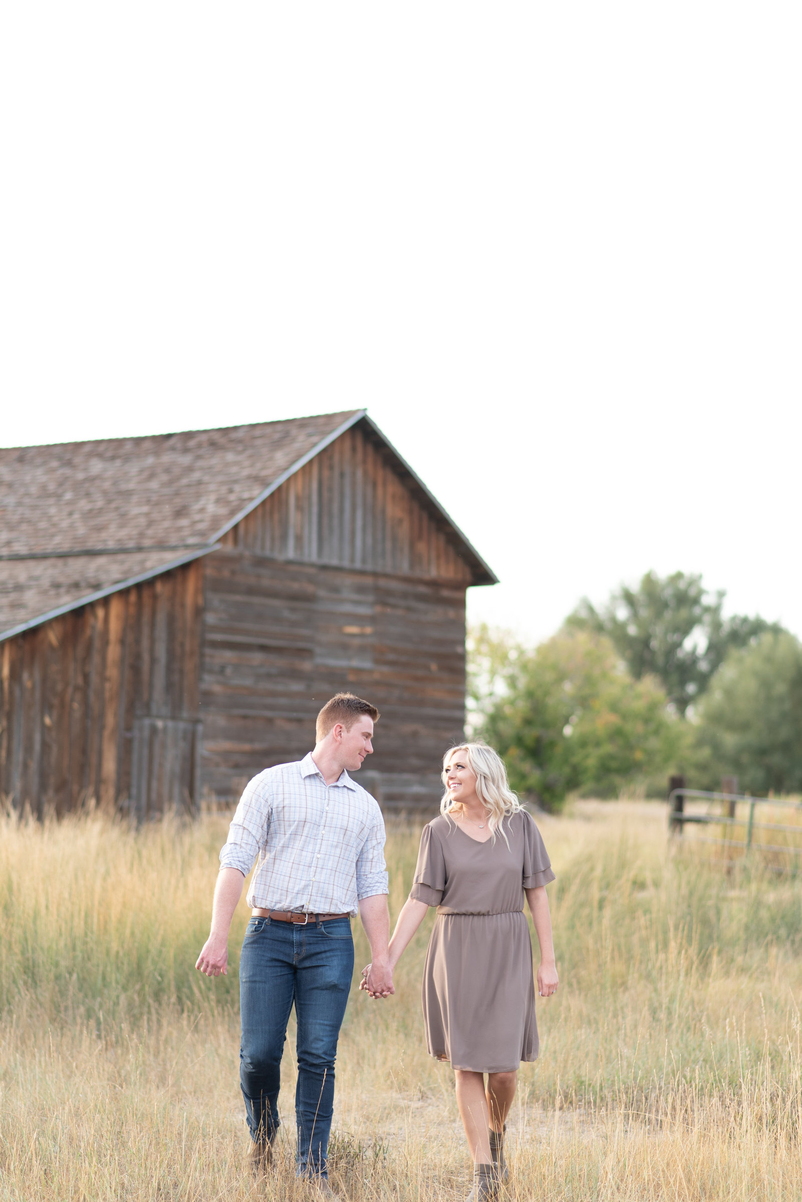 Summer engagement photos at Sandstone Ranch