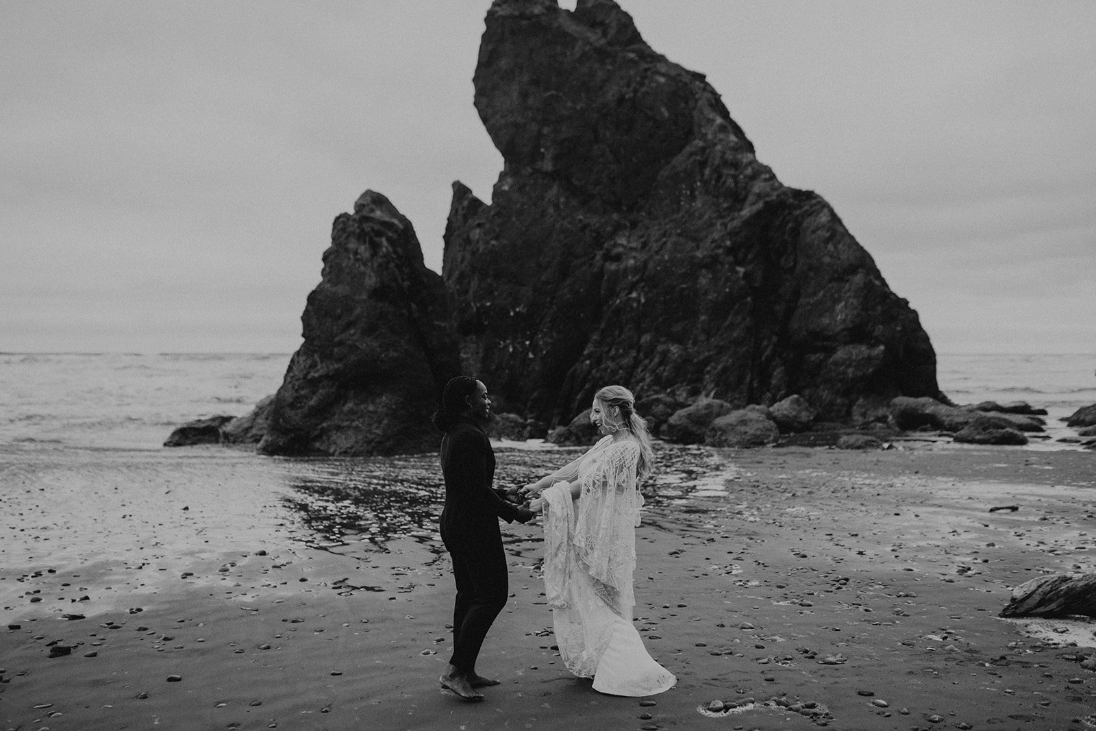 Ruby_Beach_Styled_Elopement_-_Run_Away_with_Me_Elopement_Collective_-_Kamra_Fuller_Photography_-_Portraits-166