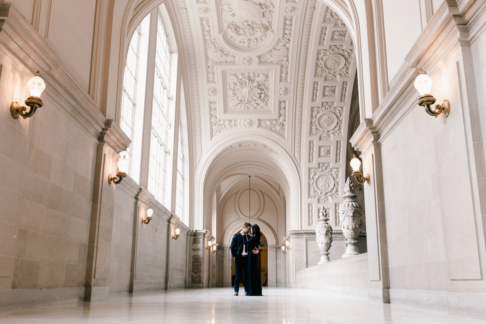 01_San_Francisco_City_Hall_Engagement_Portraits_001