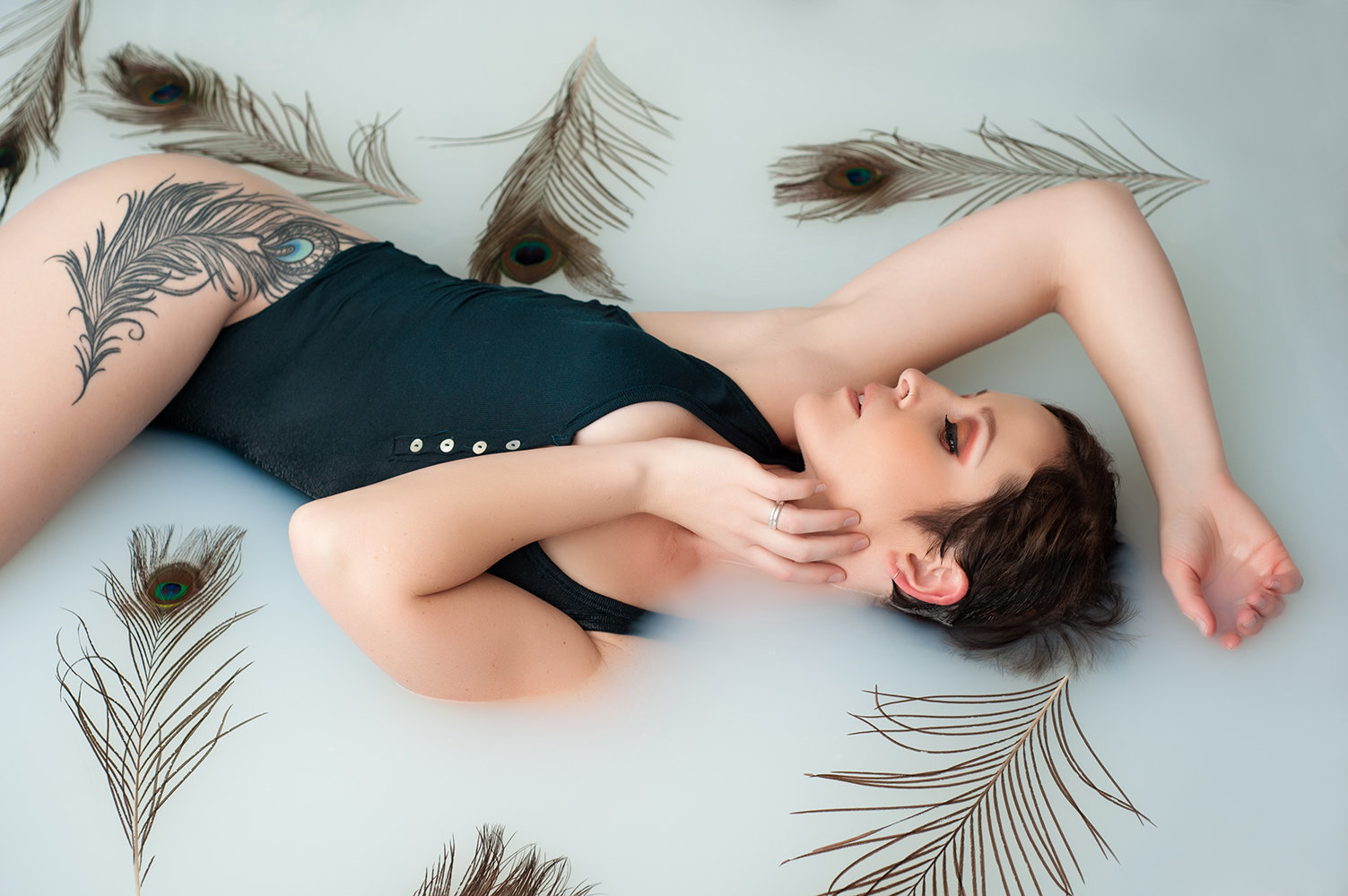 denver-fine-art-boudoir-peacock-feather-milk-bath-melissa-mullins