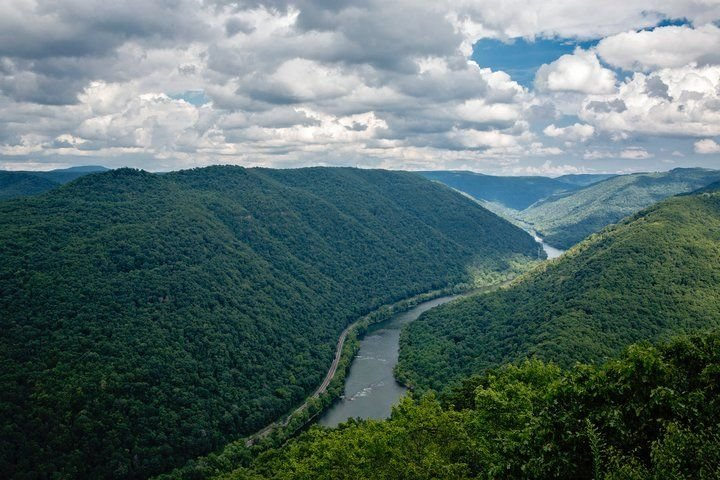 Lafayette Flats Vacation Rentals is the Place to Stay in the New River Gorge area of West Virginia. Look no further for lodging!