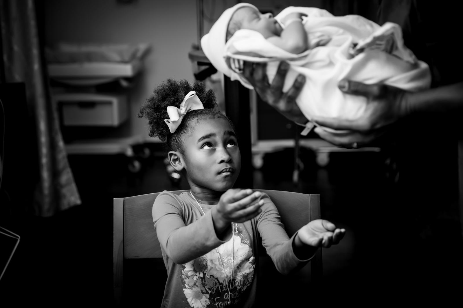 birth photographer, columbus, ga, atlanta, sibling reaching for baby, ker-fox photography_1780