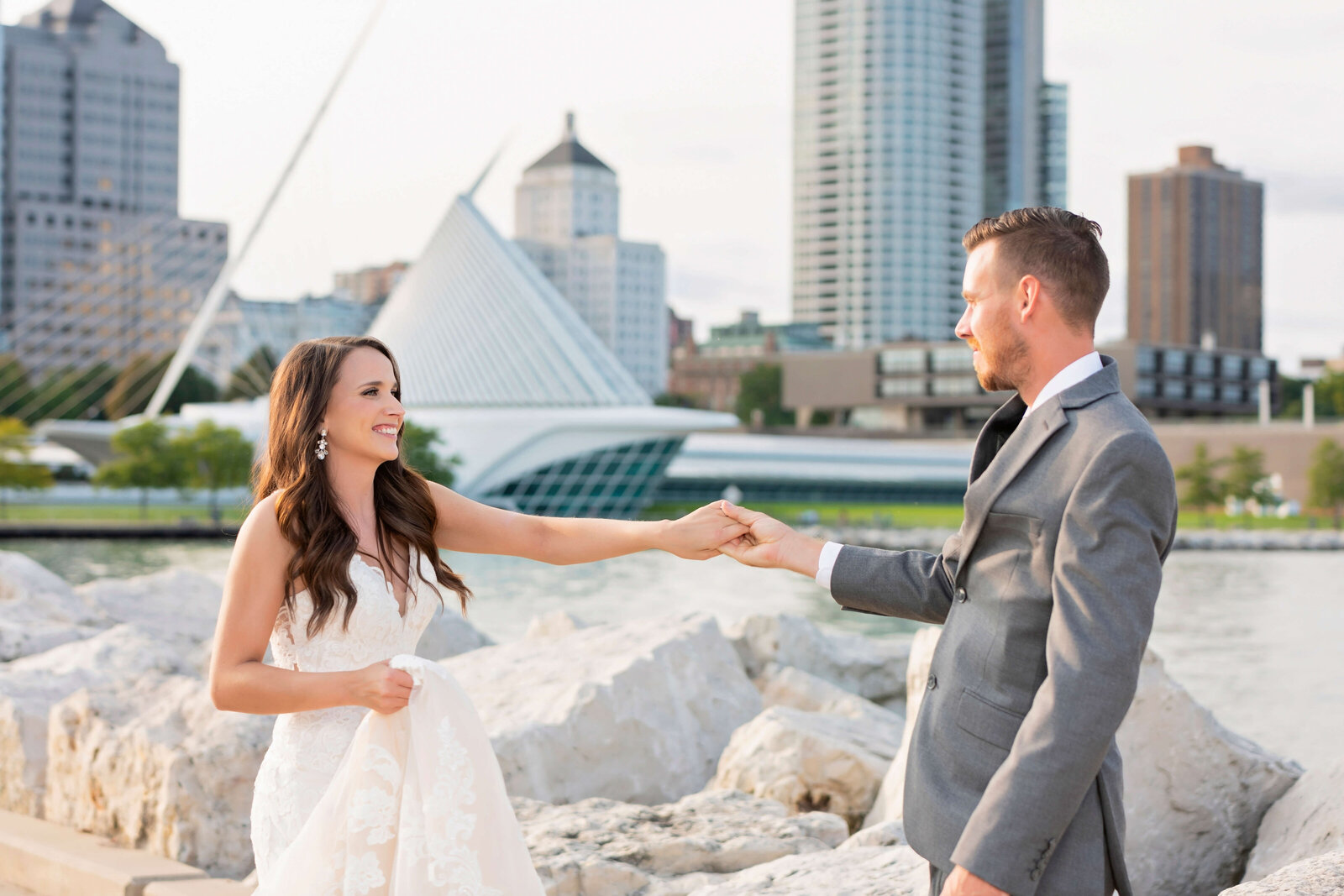 Wedding-Photography-Milwaukee-Art-Museum-Wisconsin-56