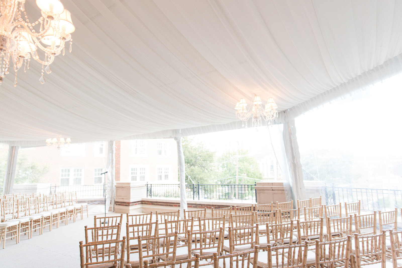 outdoor covered ceremony at warwick melrose