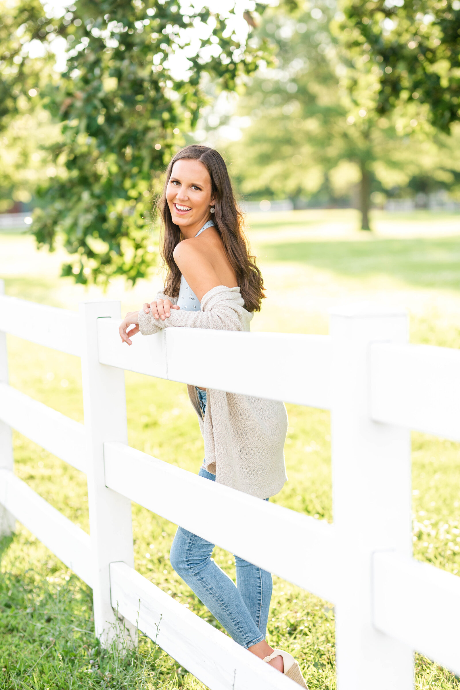 Bourbonnais IL Senior Photographer-Elle Taylor Photography