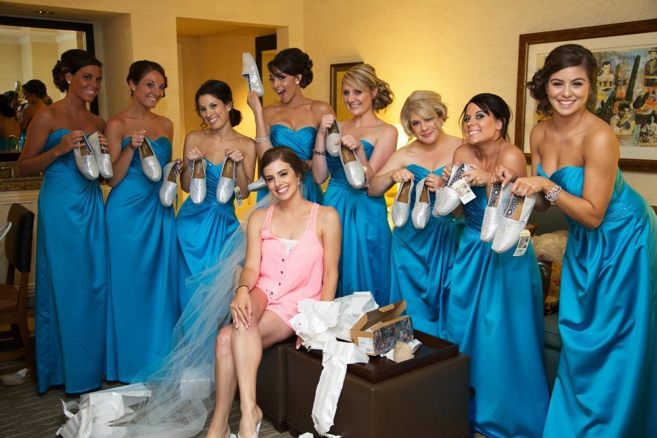 bridesmaids-gifts-toms-wedding-shoes-itsuphoto-westin-kierland-resort