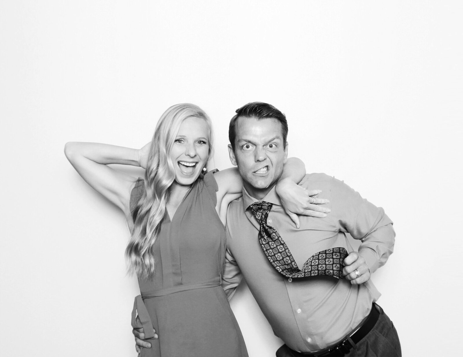 Black-and-white-photo-booth-tampa-5B
